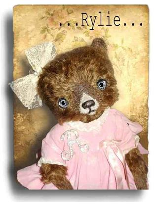 Rylie  - Handmade Teddy Bears, Mohair Teddy Bears, Artist Teddy Bears by Award Winning Artist Denise Purrington